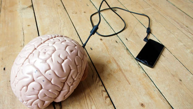 brain-smartphone-telefono-celular-movil-cerebro-mente-wired.jpg