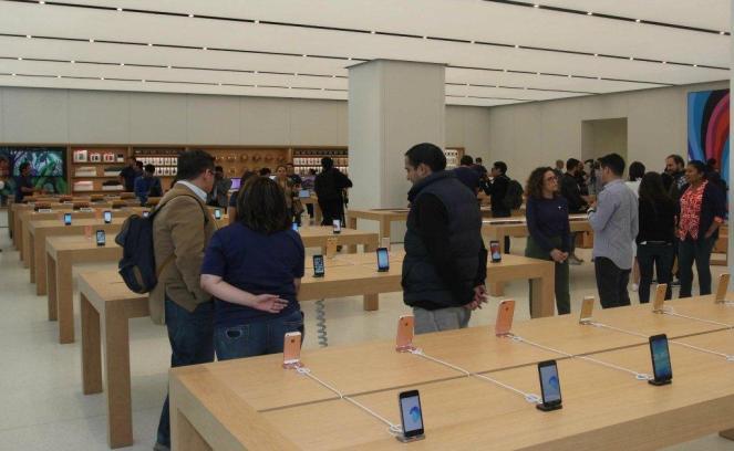 apple_store_05.jpg
